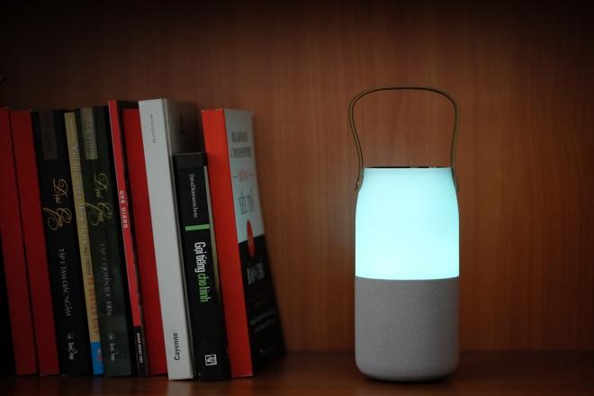 12-Samsung-Wireless-Speaker-Bottle-VnE-8041-1486179068_660x0.jpg