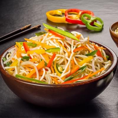Veg Chinese Hakka Noodles image