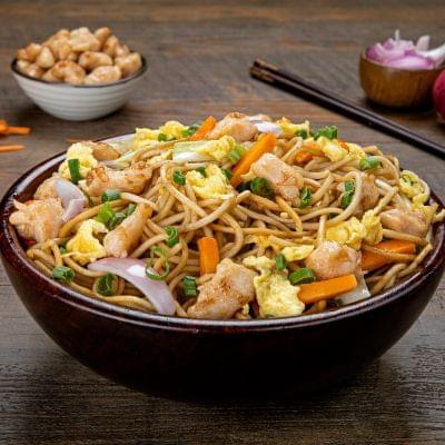 Chicken Chinese Hakka Noodles image