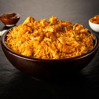 Chicken Chinese Schezwan Fried Rice image