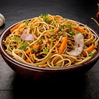 Chicken Chilli Garlic Noodles image