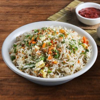 Veg Burnt Garlic Fried Rice Bowl image