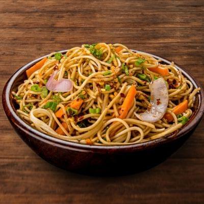 Veg Chilli Garlic Noodles Bowl image