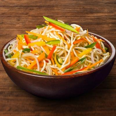 Veg Hakka Noodles Bowl image