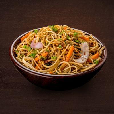 Veg Chilli Garlic Noodles image