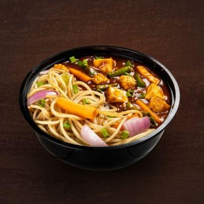 Chilli Paneer With Hakka Noodles Bowl image