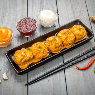 Veg Momos In Tandoori Mayo Sauce image