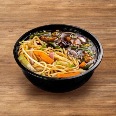 Chilli Chicken With Burnt Garlic Noodles image