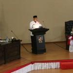 Walikota Medan menyampaikan sambutan pada rapat paripurna DPRD Medan.