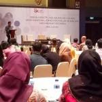 Kepala Departemen Literasi dan Inklusi Keuangan OJK Agus Sugiarto saat memaparkan materi literasi keuangan.