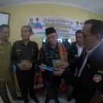 Rombongan Karang Taruna Medan dipimpin M Akhiruddin Nasution dan Kabid Perlindungan dan Jaminan Sosial Dinsos Medan Irvan Siregar saat disambut Sekda Lombok Utara dan sejumlah pejabat terkait, saat melakukan studi banding ke daerah itu.