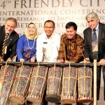 Wakil Walikota  buka Friendly City International Conference (15)