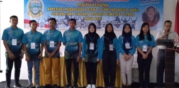 PARA juara kegiatan Apresiasi Kebangsaan Siswa Indonesia (AKSI) Tingkat Sumut foto bersama. Salah satu di antaranya Siswi SMK Pangeran Antasari meraih juara III.