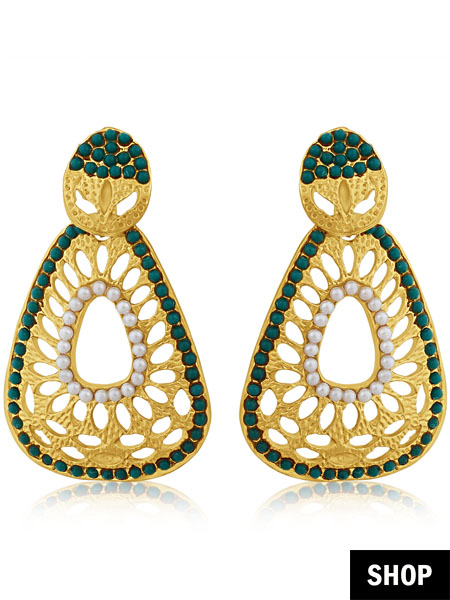 Earrings with green pearls for square face