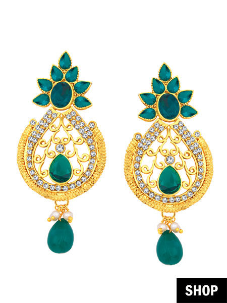 Pearl drop earring with green studs for square face
