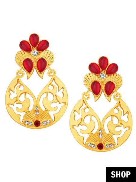 Golden chaandbali for heart shaped face