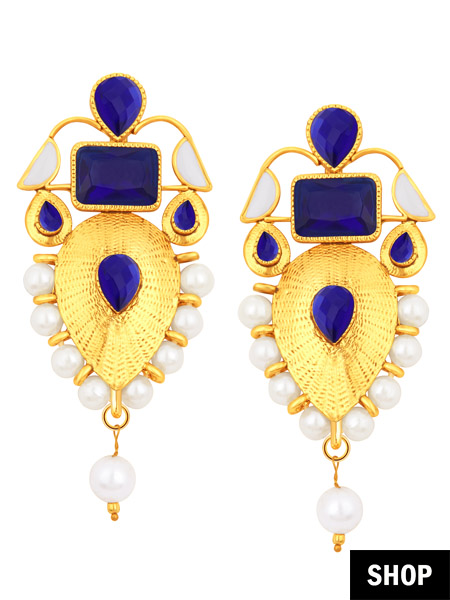 Leaf drop earring with pearl and blue studs for heart shaped face