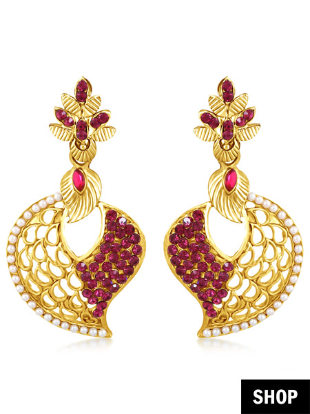 Leaf drop earrings for heart shaped face
