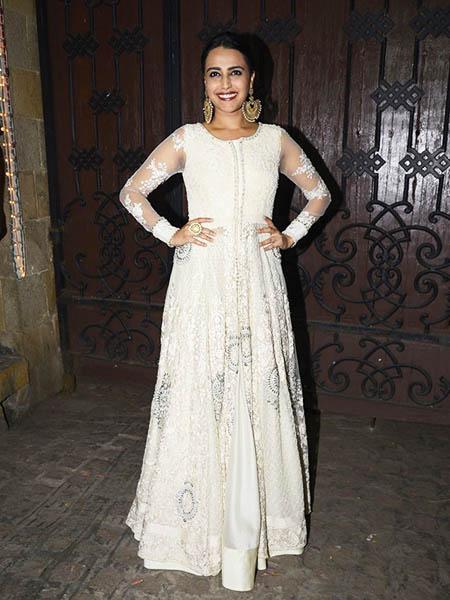 Swara Bhaskar in white ethnic outfit