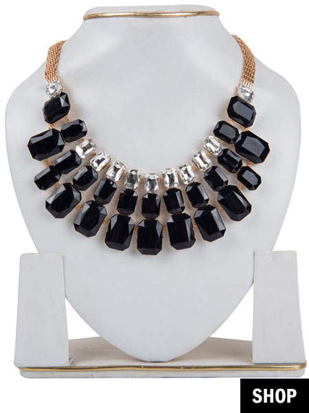 Black stone necklace for scoop neck
