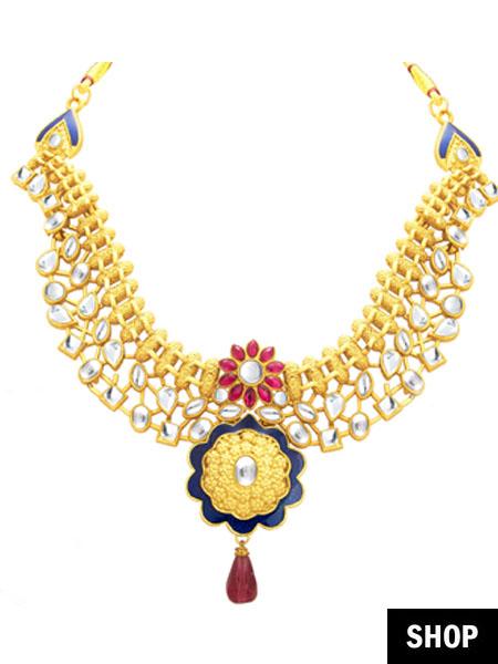 Kundan necklace for scoop neck
