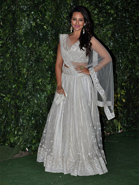 Sonakshi Sinha at Trishya Screwvala's wedding