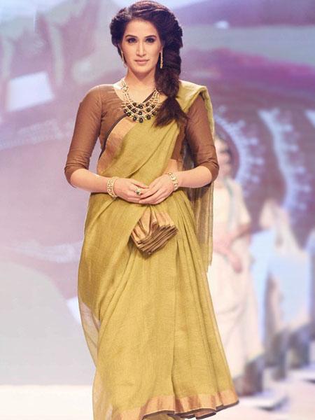 nivi_drape_saree draping styles