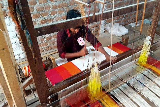 pochampally ikat weaving