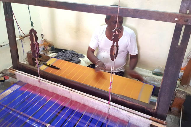 gadwal sarees weaving