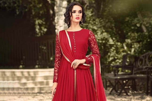 Anarkali designs for apple shaped women