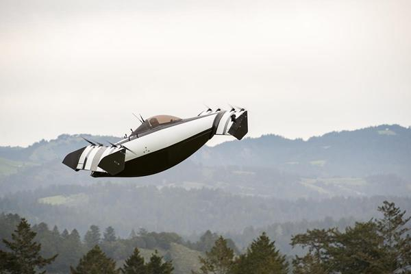 BlackFly –  the First Commercially Available Flying Car?