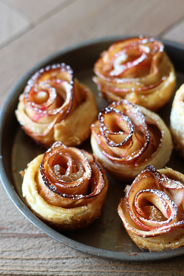 handletheheat http://www.handletheheat.com/how-to-make-apple-roses/