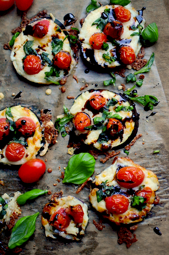 yammiesnoshery http://www.yammiesnoshery.com/2016/01/mini-eggplant-caprese-pizzas.html?utm_source=feedburner&utm_medium=feed&utm_campaign=Feed:+YammiesNoshery+(Yammie%27s+Noshery)