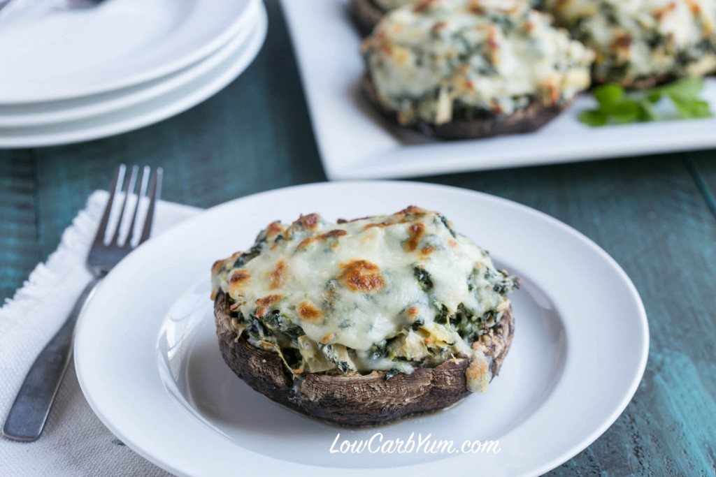 low-carb-spinach-artichoke-stuffed-portobello-mushrooms-feat-1024x683