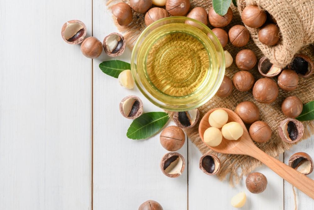夏威夷果富含单不饱和脂肪酸油酸,有助降低胆固醇。