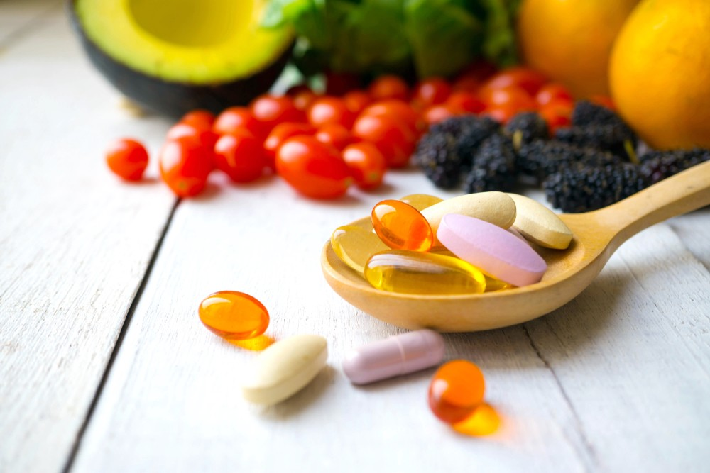 暂时未有发现,由食物中摄取维他命B3有任何问题,不过服用营养补充剂就可能会引起一些副作用。