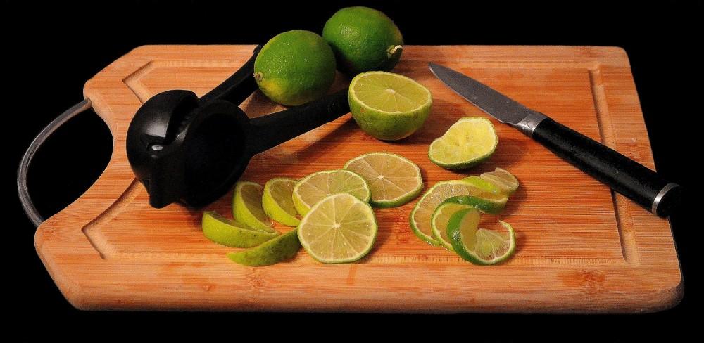 柑橘类水果,例如青柠,含有大量柠檬酸,或可有助预防肾结石。