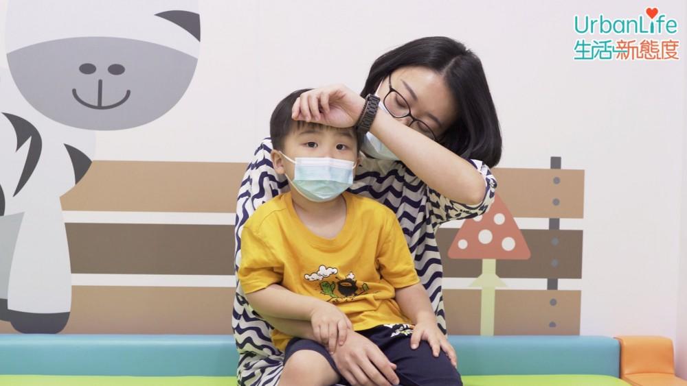 小儿气管敏感可能诱发哮喘。