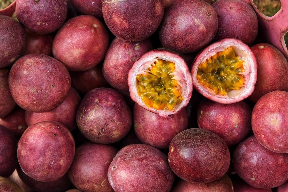 热情果含大量抗氧化剂,尤其是维他命C、β-胡萝卜素和多酚。 多酚为植物化合物,具有抗氧化和抗炎功效,也代表或能减低患上慢性炎症,例如心脏病的风险。