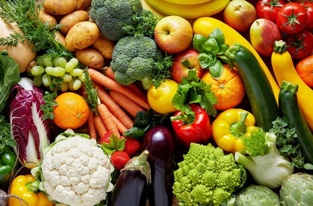 新鲜和冷冻蔬菜,一般钠含量都较低,通常每份的钠含量,都少于50 mg。