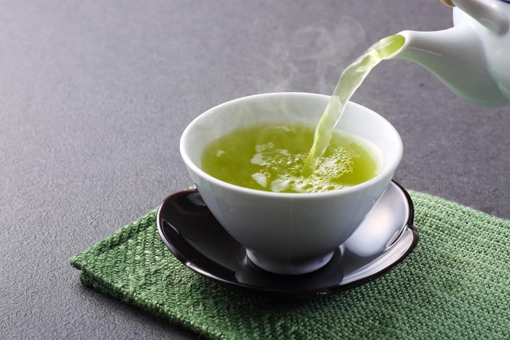 绿茶含有茶胺酸(L-theanine),或能有益脑部健康,和减低焦虑。