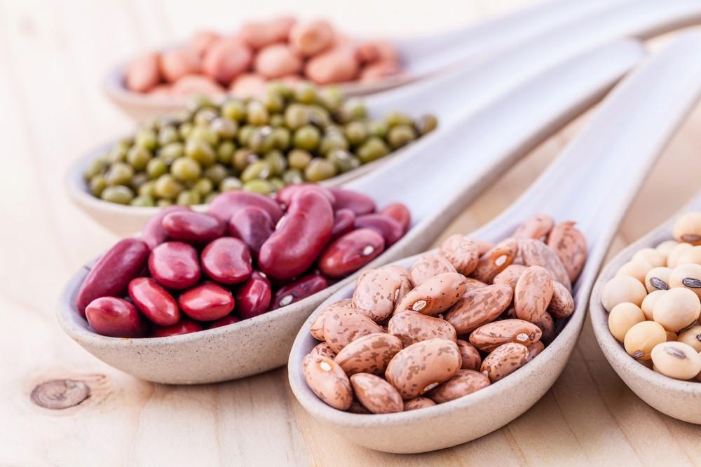 在含大量蛋白质的食品中,含有某些氨基酸或能有助促进头发生长,而离胺酸就是其中一种。