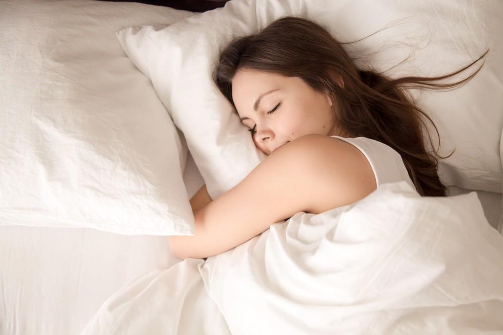睡眠对健康十分重要,假如你比所需的睡眠时间,睡得更少,或会增加你患病的风险,例如心脏病、糖尿病和抑郁症等。