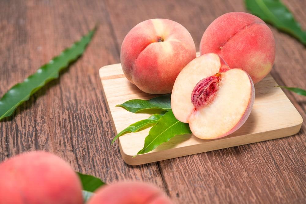 日本水蜜桃不但品质好、甜度高、香气十足,粉嫩多汁。