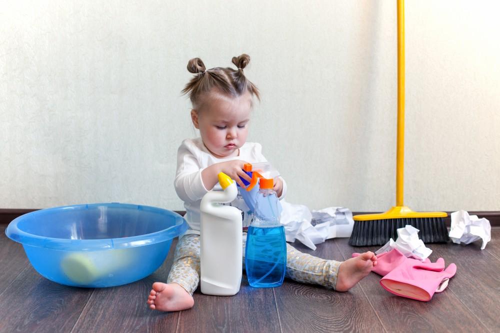 儿童容易误服化学物品中毒