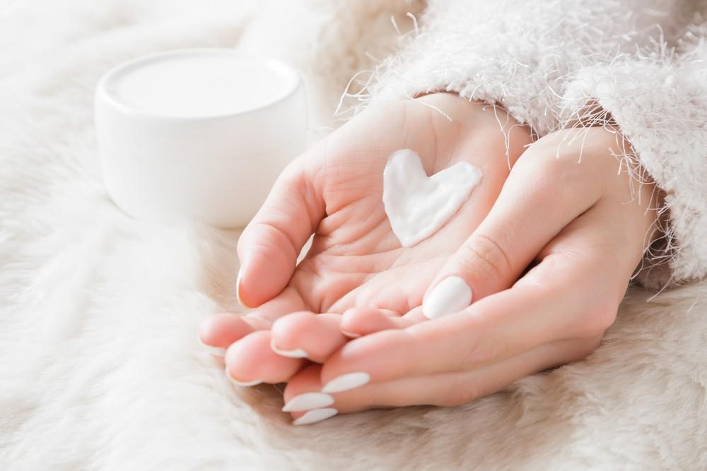适量使用保湿乳液有助纾缓皮肤干燥的问题。