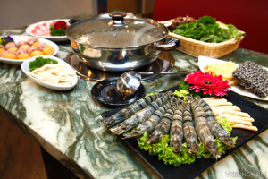 Modern Twists to Traditional Chinese New Year Reunion Dinner 7