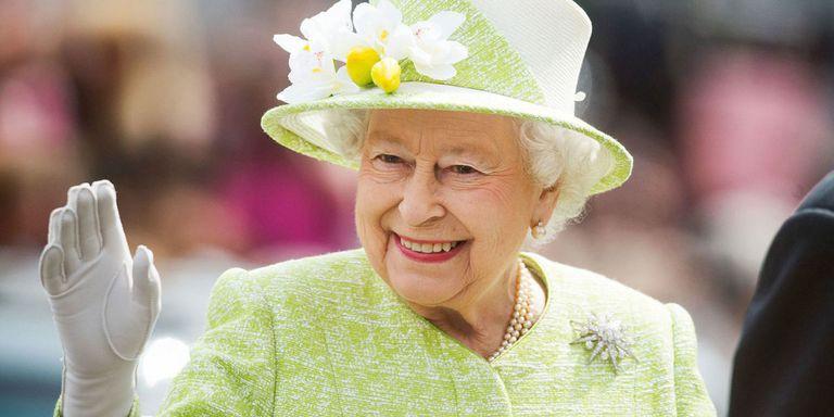 英女王總是戴著帽子?