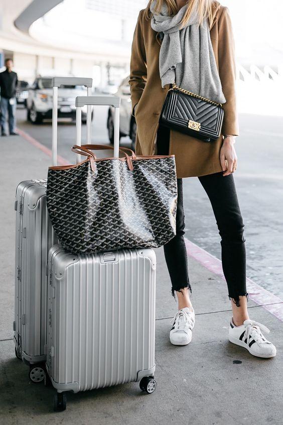 在未計劃下一趟旅程前,不如趁現在有空物色一下一個新的行李箱吧~