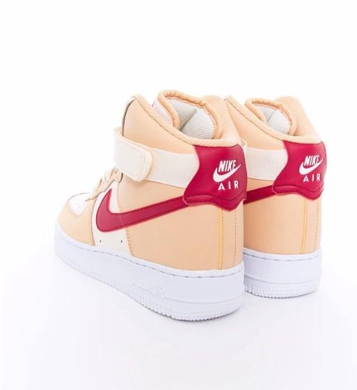 AIR FORCE 1新色「淡奶茶 X 草莓」配色
